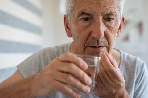 Swallowing problems among early signs of mesothelioma